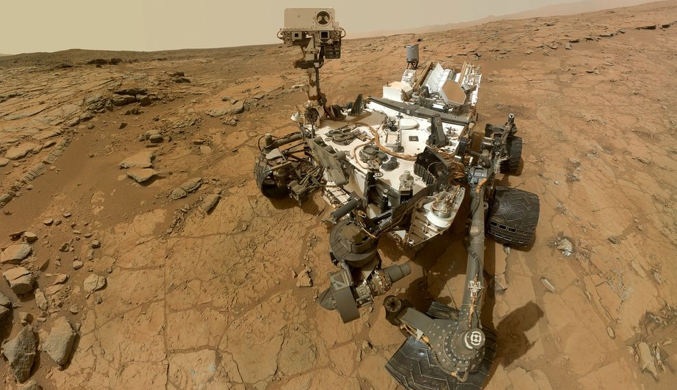 first-year-of-curiosity-mars-rover_70110_990x742 (1)